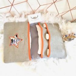 Pochette à barrettes personnalisable en lin, thème graphique nude et or